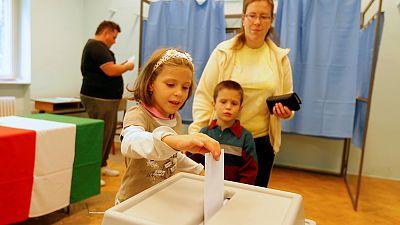Ungarn: Beobachter erwarten Zustimmung bei Orbans Anti-Flüchtlings-Referendum