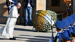 """Papa in Azerbaijan: """"Il frutto della fede è la pace"""""""