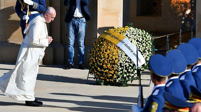 A pápa Bakuban