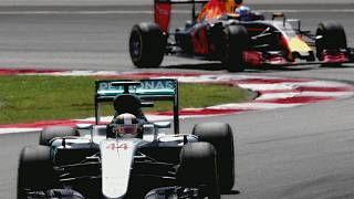 Ricciardo shines in Malaysia as Hamilton retires