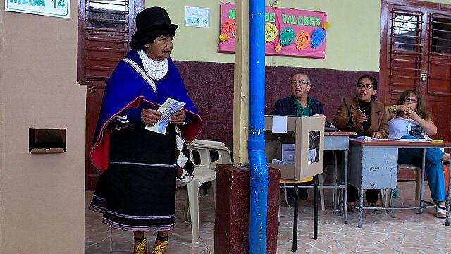 Kolombiya'daki tarihi referandum için halk sandık başında