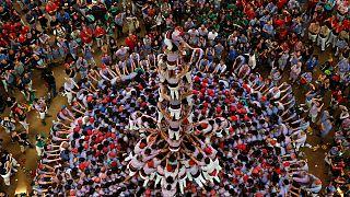 """الالاف يحضرون منافسات تشكيل """"هرم من البشر"""" في كتالونيا"""