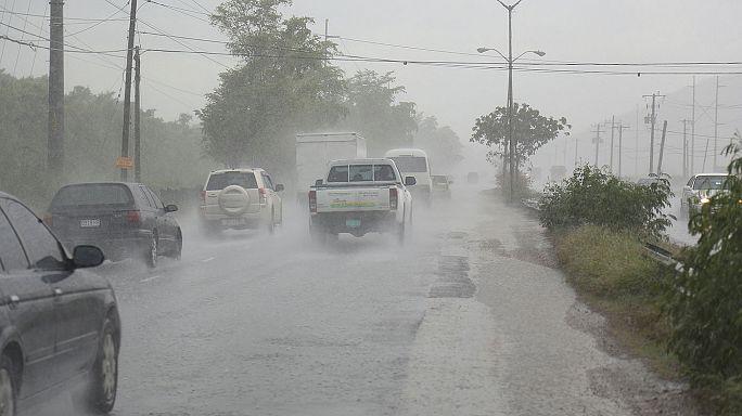 """Hurrikan """"Matthew"""" bewegt sich auf Karibikinseln zu"""