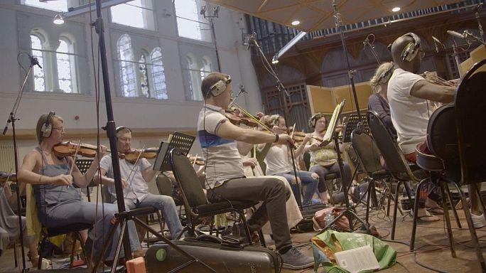 DJ Pete Tong lança álbum em colaboração com a orquestra britânica Heritage