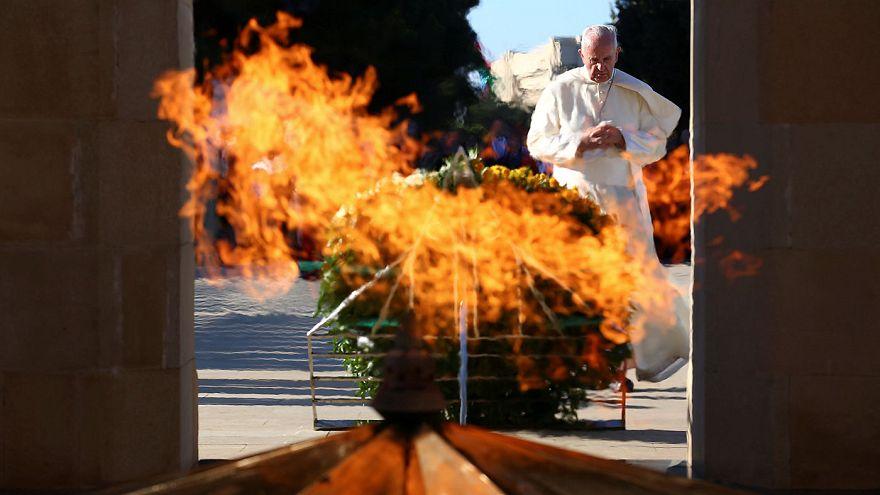Papa Azerbaycan'ı ziyaret etti