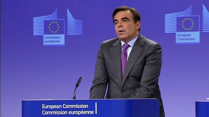 """Brüsszel: """"a Bizottság elfogadja a magyarok demokratikus akaratát"""""""