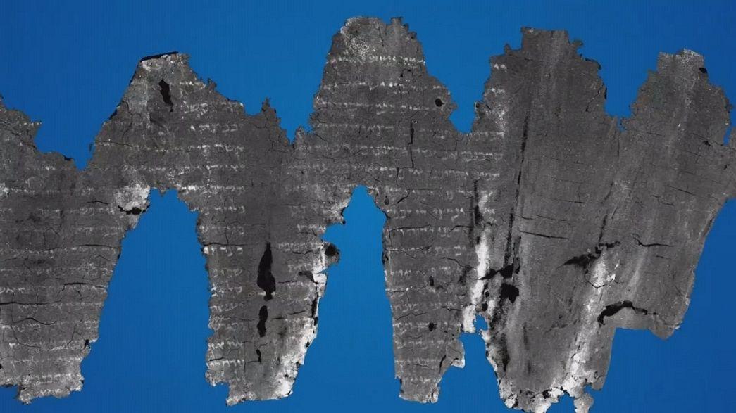 Una imaging che legge testi carbonizzati