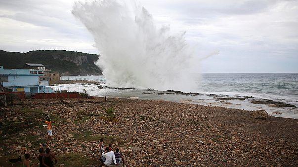 Karayipler'de Matthew Kasırgası nedeniyle binlerce kişi tahliye edildi