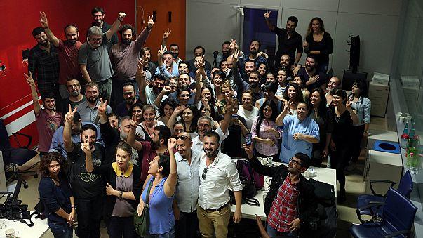 La presse et la police visées par de nouvelles purges en Turquie