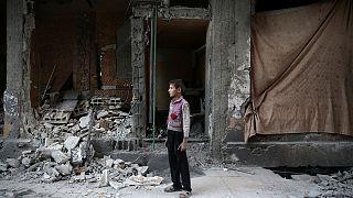 Renewed air strikes pound province of Aleppo