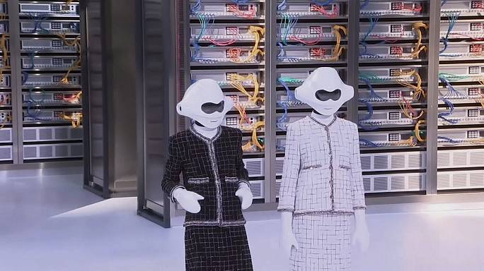 Chanel transforma el Grand Palais en una enorme base de datos