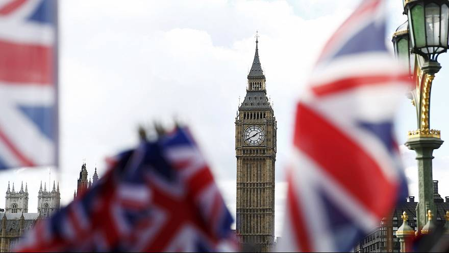 Strong UK business data creates interest rate dilemma for Bank of England