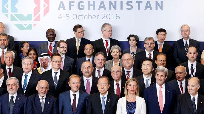 مؤتمر المانحين لأفغانستان يقرر زيادة الدعم المالي لإعادة الإعمار