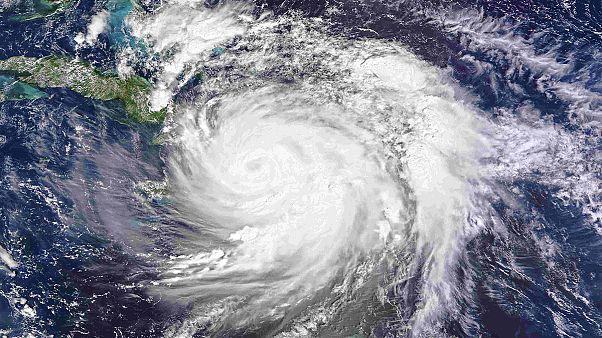"""Ураган """"Мэттью"""" приближается к Кубе и американскому побережью"""