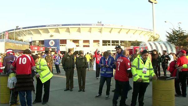 FIFA'dan Şili'ye kötü tezahürattan dolayı bir maç saha kapatma cezası