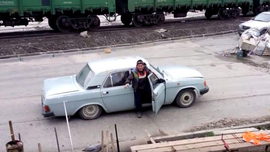 Rus yapımı bu otomobile kaç işçi sığabilir?