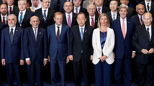 Afganistan'a 15 milyar dolar yardım vaadi