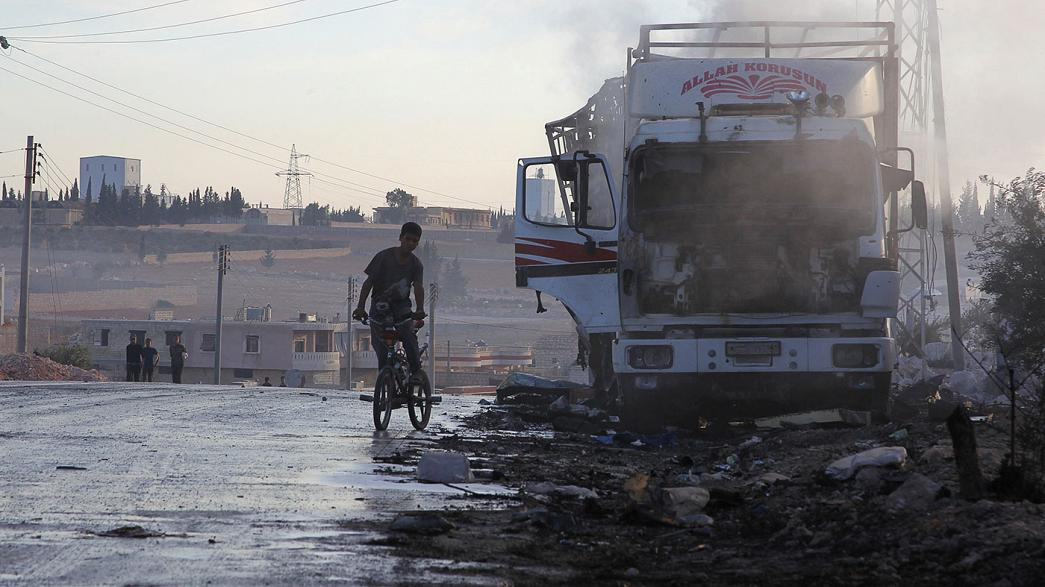 Air attack destroyed aid convoy says UN as Syrian troops close on Aleppo