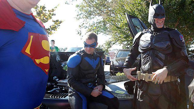 E.U.A.: Super-Heróis em funeral de menino de 6 anos