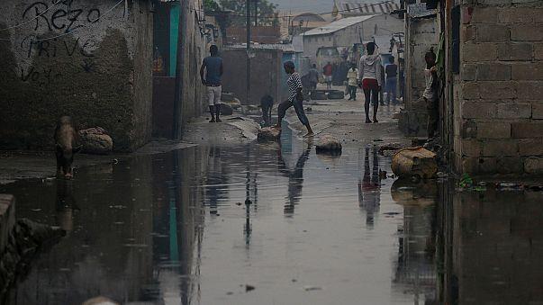 ارتفاع حصيلة الاعصار ماتيو إلى 23 قتيلا حتى الآن