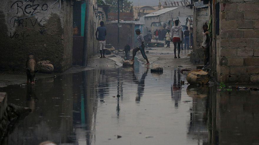 Furacão Matthew: Haiti chora dezenas de mortos e adia presidenciais