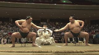 Spectacle de sumo à Tokyo
