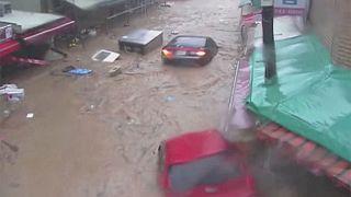 Νότια Κορέα: Εκτεταμένες πλημμύρες από τον τυφώνα Τσάμπα