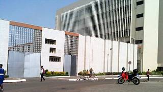 Ghana : la banque nationale fait polémique en offrant des montres suisses en or à ses employés