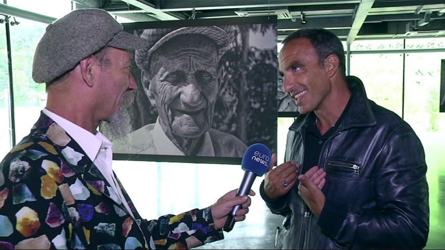 """Rencontre avec Nikos Aliagas, à l'occasion de son éposition """"L'épreuve du temps"""" à Lyon"""