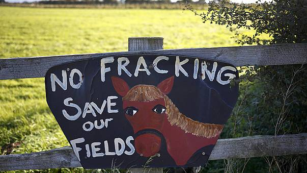 UK allows more gas fracking