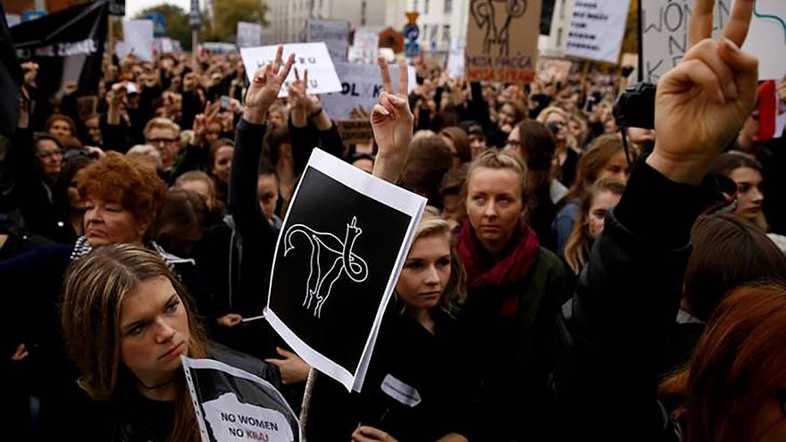 State of the Union: Polish women force government to back down on abortion