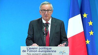 TTIP: Juncker, l'Europa non si inginocchierà davanti agli americani