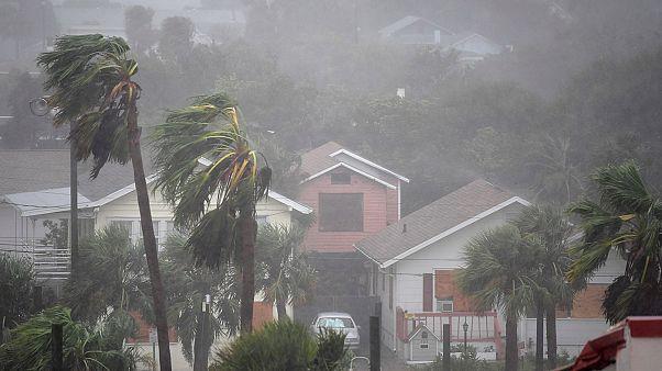 سواحل ایالت فلوریدای آمریکا زیر ضربات طوفان متیو