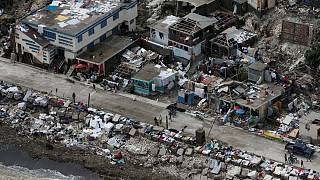 ارتفاع حصيلة عدد ضحايا اعصار ماثيو في هايتي إلى أكثر من 800 قتيل
