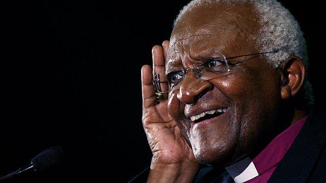 L'arcivescovo Desmond Tutu chiede una morte nel rispetto della dignità