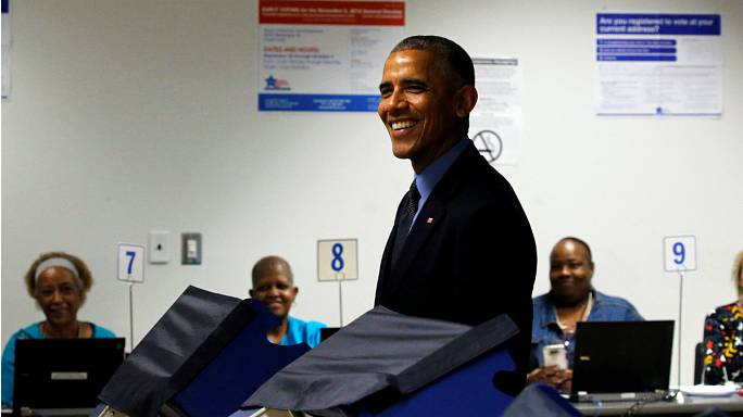 Obama casts early presidential vote in Chicago