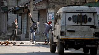 India ellenes tüntetés Kasmírban