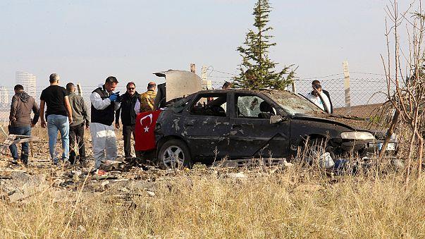 Turchia: due kamikaze si fanno esplodere ad Ankara durante un controllo