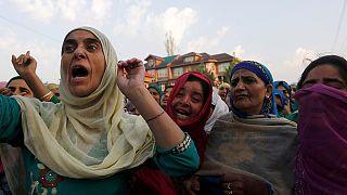 Confrontos em Caxemira após a morte de uma criança