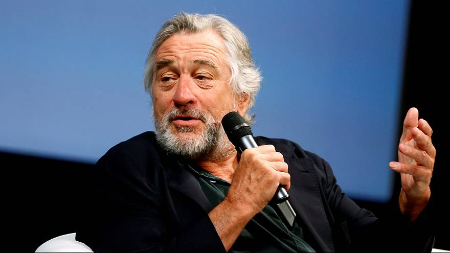 """Er ist ein Schwein"" - Robert de Niro warnt in Video vor Donald Trump"