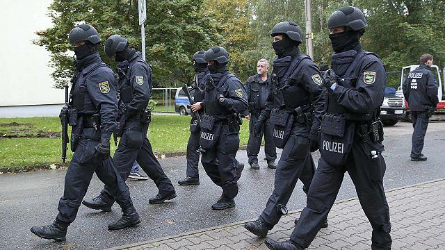Германия: полиция разыскивает предполагаемого террориста