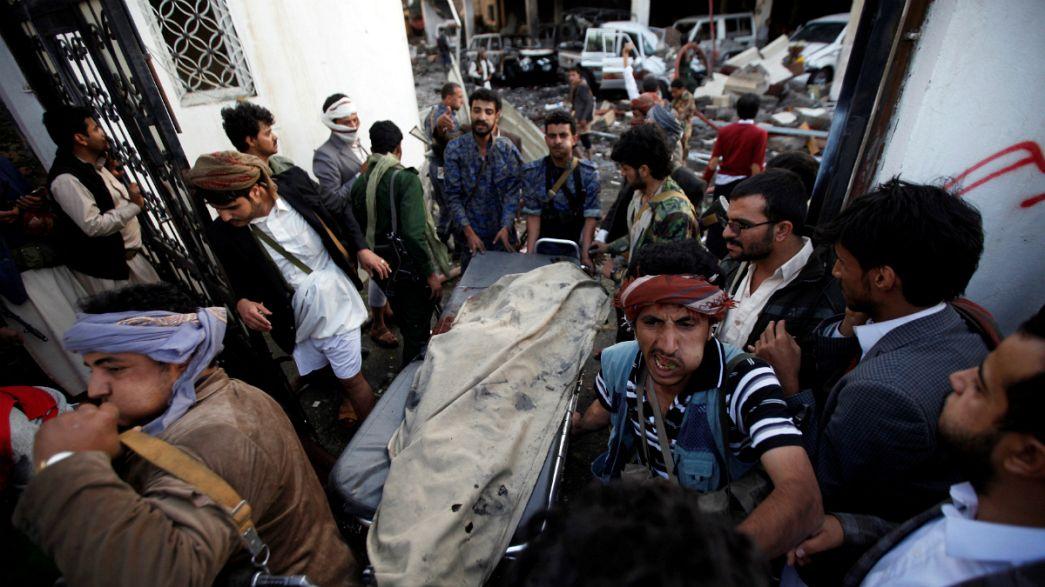 Ataque aéreo contra funeral provoca centenas de mortos no Iémen