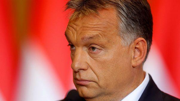 Macaristan'ın en köklü sol eğilimli gazetelerinden Népszabadság'ın basımına ara verildi
