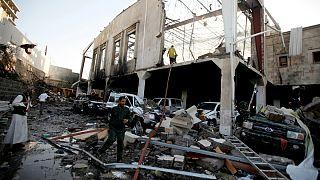 Masacre en la capital de Yemen: más de 140 muertos en un bombardeo