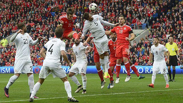 País de Gales tropeça a caminho da Rússia, Itália sofre mas vence