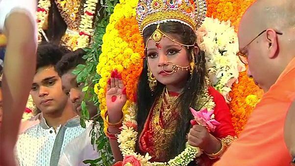 "Cérémonie de la ""Kumari Puja"" au Bangladesh"