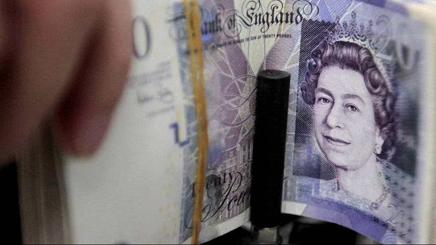 Brexit vote fears hit UK business sentiment