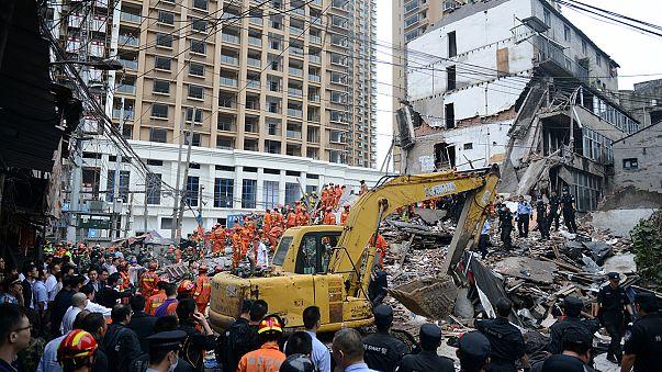 Çin'de 4 bina çöktü: En az 17 ölü