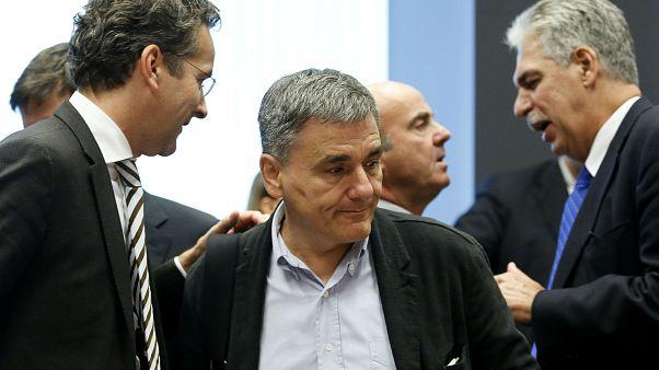 Ελλάδα: Στα «δύο» έκοψε τη δόση το Eurogroup