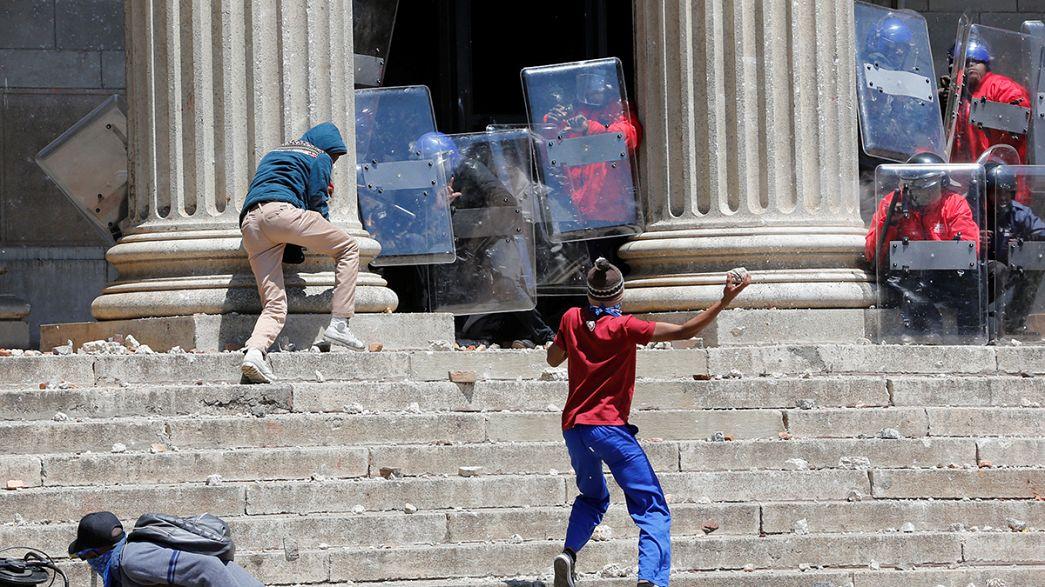 Студенческие протесты в ЮАР продолжаются